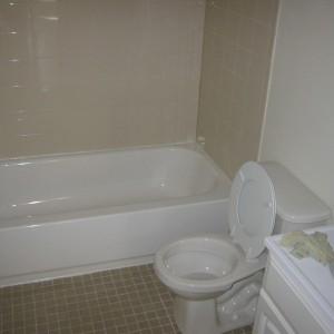 114 N 56th-Bath-May 2, 2007