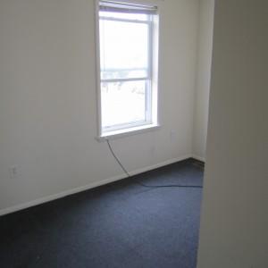 318 N 55th Back bed