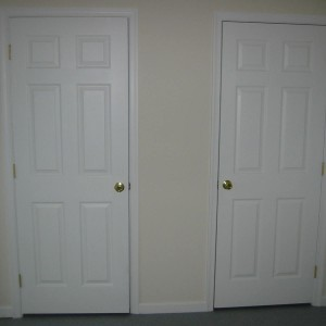35 N Hobart-Hallway Closet-April 4, 2007 014