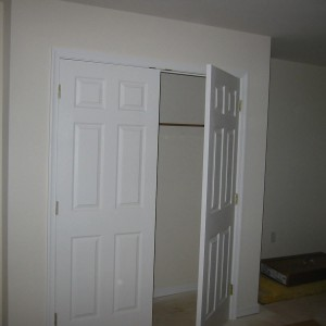 5541 Wyalusing-Downstairs Closet-April 4, 2007 024